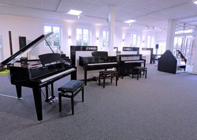 Ausstellung E-Pianos