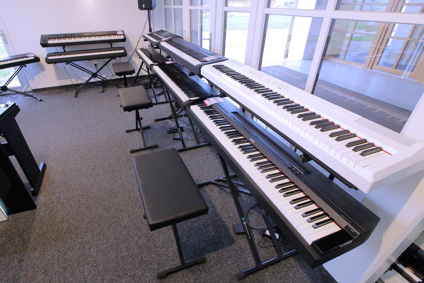 Produktvorführung auf unseren E-Pianos