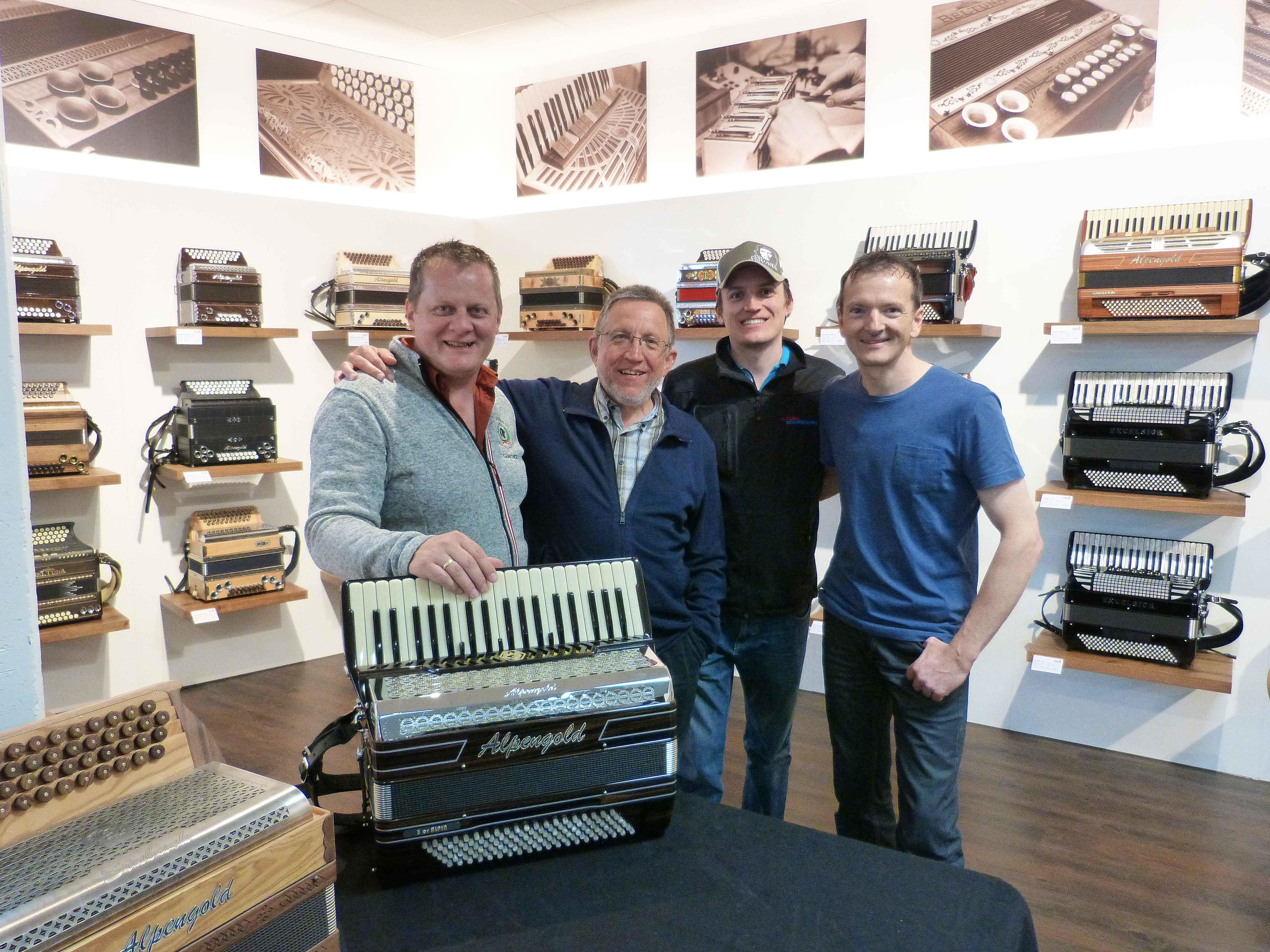 Günther Lerch (Alpengold Harmonikas), Hubert und Leonhard Meixner (Die Cubaboarischen) und Peter Rumberger