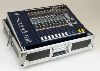 Mischpult Soundcraft EFX8 mit Case