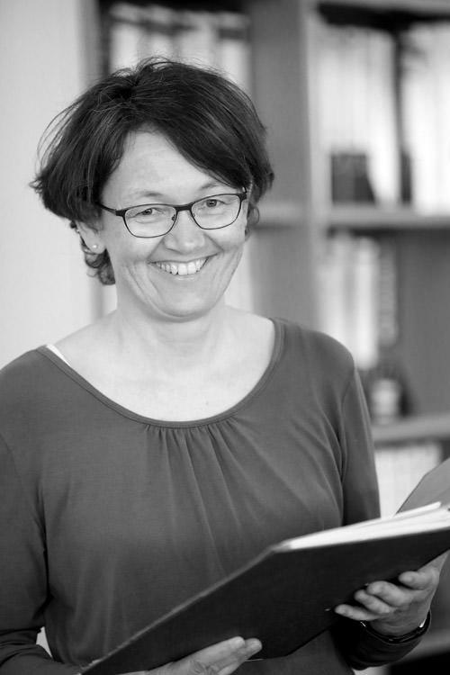Gabi Köttner, Buchhalterin