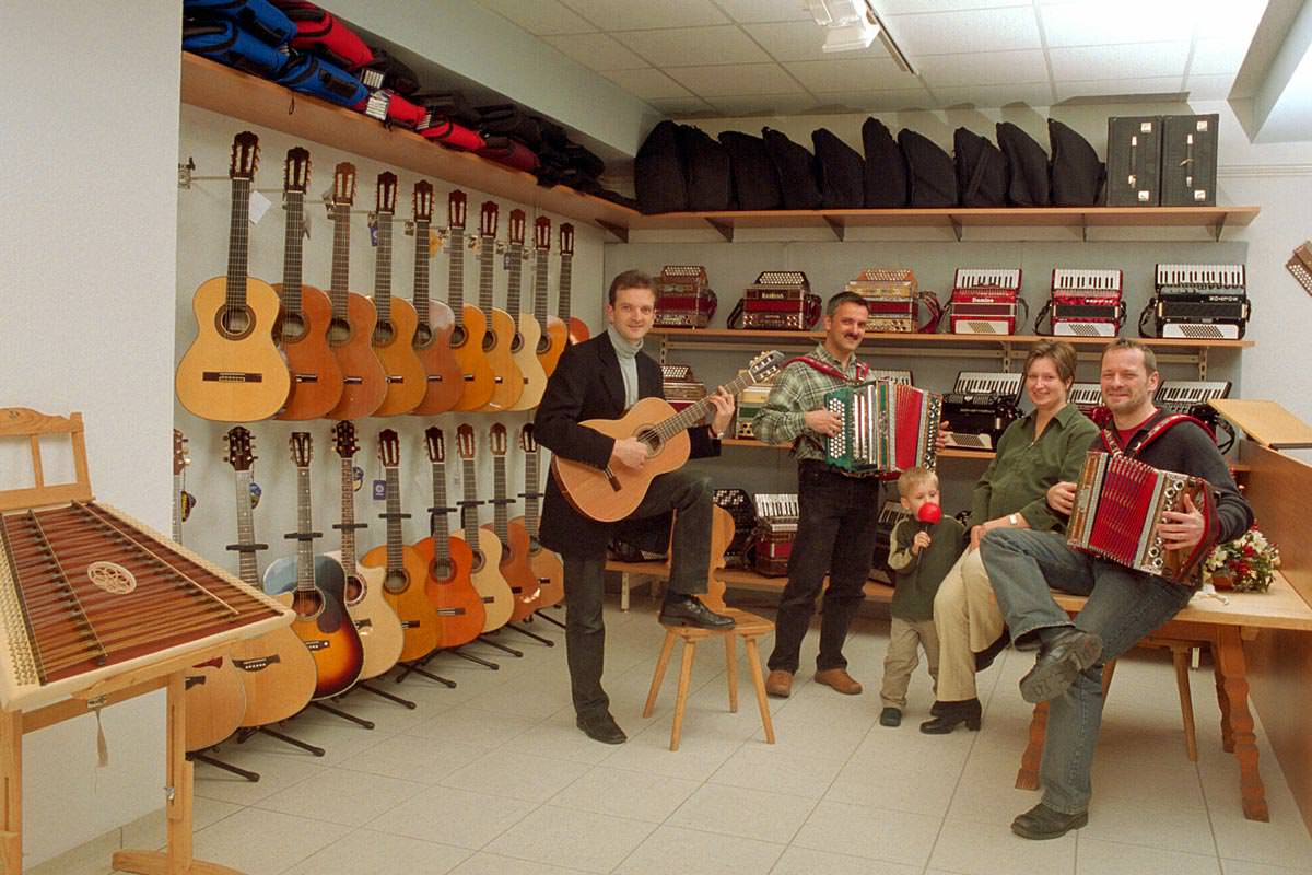 Historie - Eröffnung der neuen Räume in Prien 2003