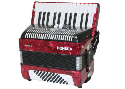 Gebrauchtes Akkordeon Hohner Bravo II 48, rot