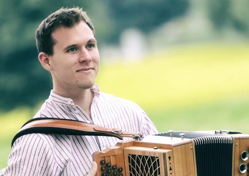 Top-Harmonikaspieler Johannes Servi