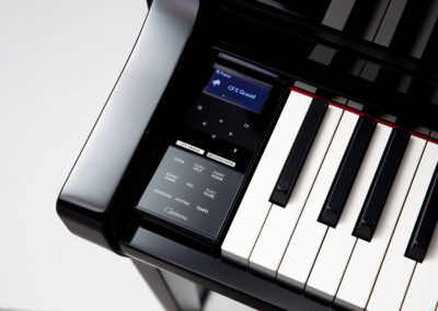 E-Piano Yamaha CLP-775 PE - Display on